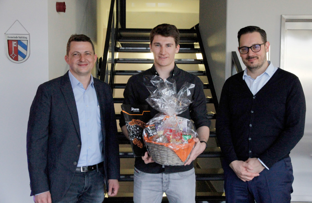 Sebastian Höflinger completed his dual vocational training with top marks